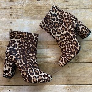 Charles David cheetah print booties size 6